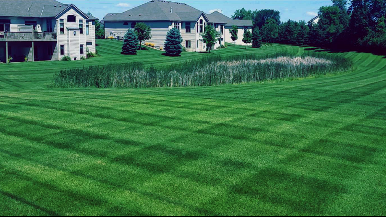 B's Lawns and Landscapes offers Townhome and Association grounds care services